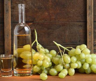 Nalewka z jasnych winogron